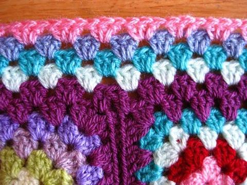 como hacer cuadrados a crochet de colores