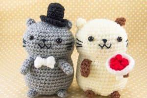 Los muñecos tejidos al crochet como amigos de día y noche