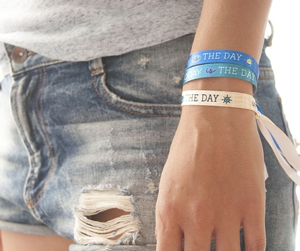pulseras de tela con frases positivas