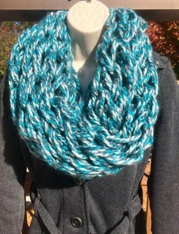 bufandas de lana hechas a mano para mujeres