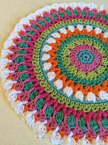 como hacer una alfombra con lana crochet