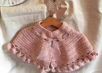 Unos ponchos de lana para niñas en otoño