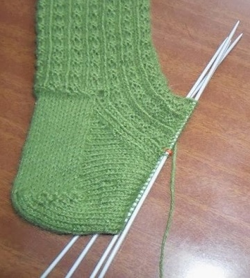 tejer calcetines dos agujas rectas paso a paso