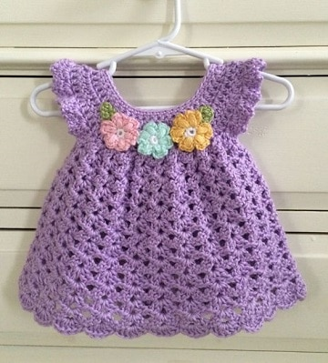 vestidos de niña tejidos a gancho recien nacido