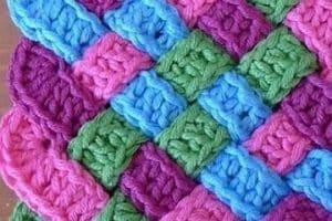Puntos para aprender a tejer bufandas diferentes y modernas