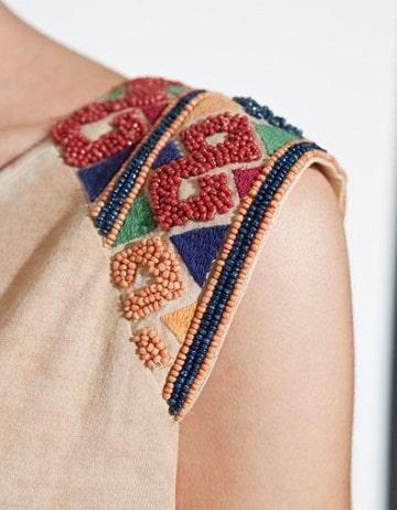 bordado en piedras lentejuelas y canutillos en blusas