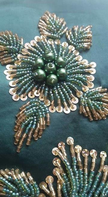 bordado en piedras lentejuelas y canutillos para vestidos