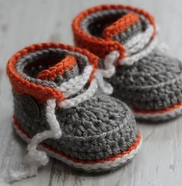 imagenes de zapatos tejidos para bebe con cordones
