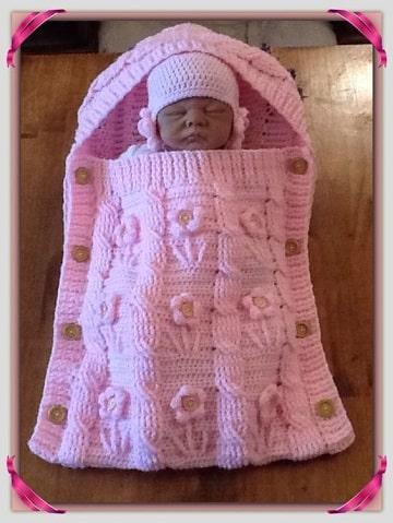 porta bebe tejido a crochet para niña
