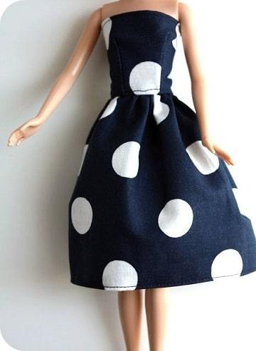 como hacer ropa para muñecas facil a maquina