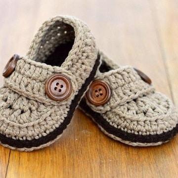 como hacer zapatitos de lana para niño