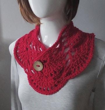 cuellos tejidos a gancho rojo