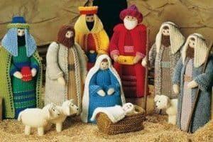 Las figuras navideñas tejidas a crochet para cada espacio