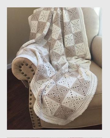 mantas de ganchillo para sofas blanco y beich