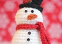 Un muñeco de nieve tejido a crochet para cada espacio