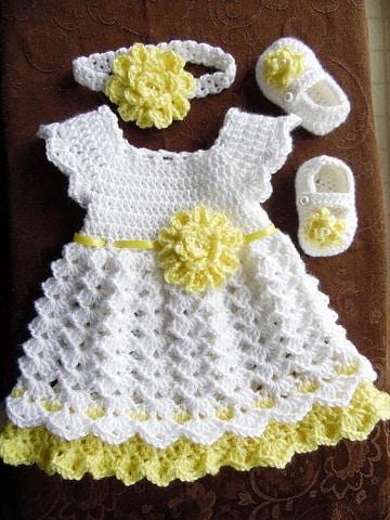 vestidos de nena a crochet con zapatitos