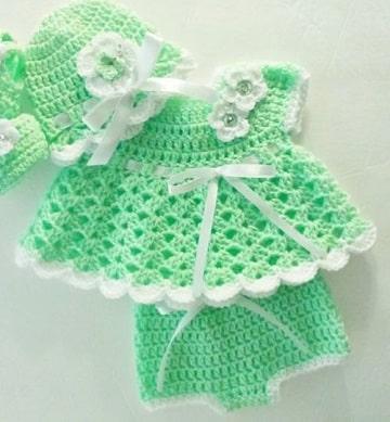 vestidos de nena a crochet recien nacida