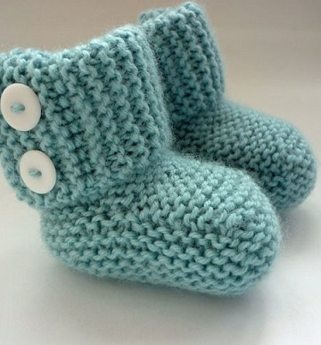 zapatitos de bebe a palillos azules