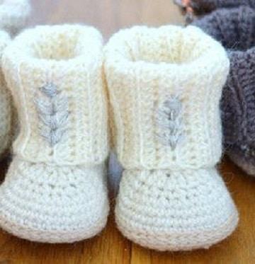 zapatitos de bebe a palillos para niña