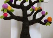 Una variedad de arboles tejidos al crochet muy decorativos