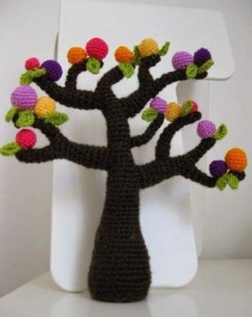 arboles tejidos al crochet con frutos