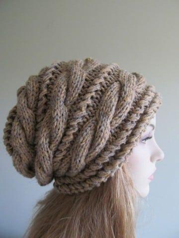 modelos de gorros de lana marron