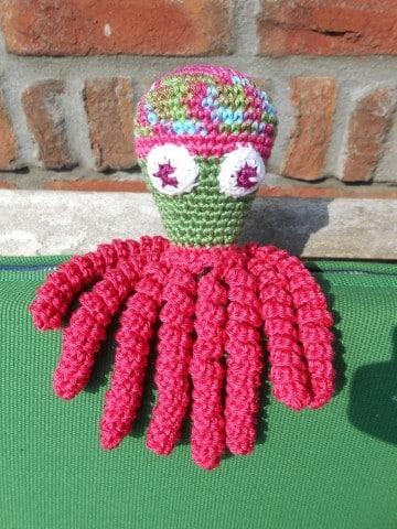 pulpos tejidos a crochet de colores