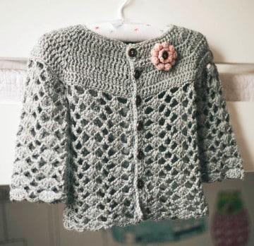 rebecas de crochet para niña con detalle