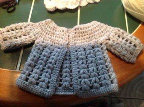 rebecas de crochet para niña de dos colores