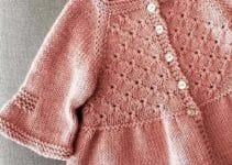 Lindos saquitos tejidos para niñas con estilos diferentes