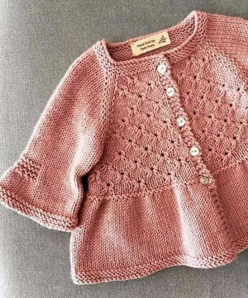 saquitos tejidos para niñas en rosa pastel