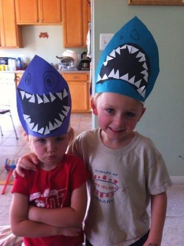 sombreros divertidos para niños de tiburones
