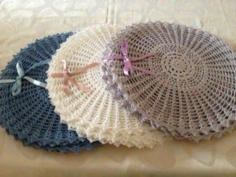 tapetes redondos a crochet con decoracion