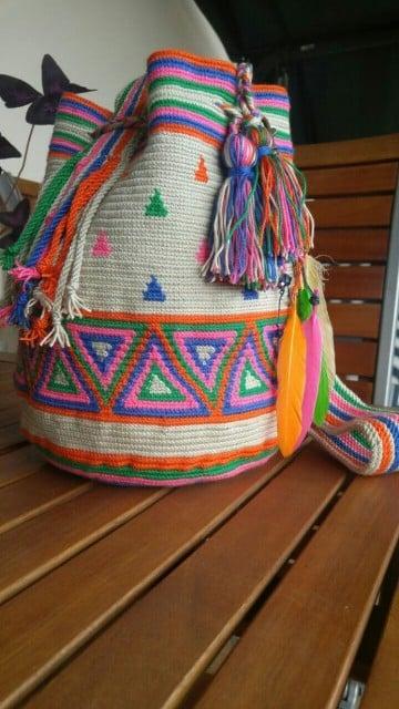 bolsos a mano Etnicos de lado