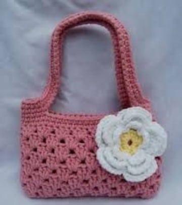 bolsos de ganchillo para niña en rosa