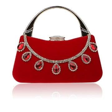 bolsos rojos de fiesta con joyas