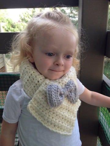 bufandas tejidas para niñas con lazito
