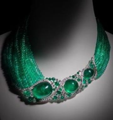 collares con piedras naturales verdes