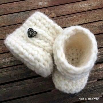 medias tejidas para bebe blanco