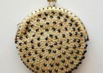 Los monederos de crochet redondos para una mujer actual