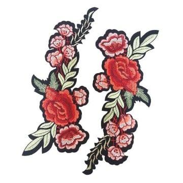 parches de flores bordadas a mano