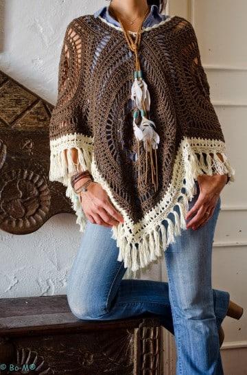 poncho con manga a crochet hippie