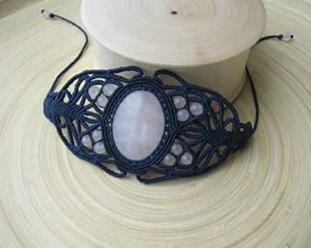 pulseras de macrame con piedras de cuarzo