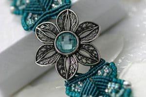 Lindos diseños de pulseras de macrame con piedras de moda