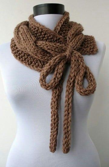 tipos de bufandas para mujeres marrones