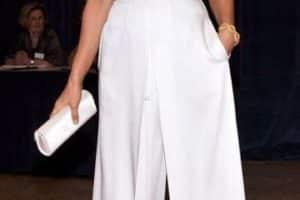 Los pantalones blancos para mujer versatilidad y frescura