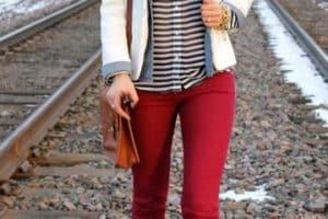 Mira cómo se llevan los pantalones de colores para mujer