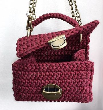 bolsos juveniles tejidos a crochet pequeño