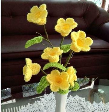 flores tejidas a crochet en 3d para florero