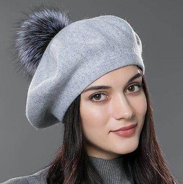 gorros de lana con pompon elegante